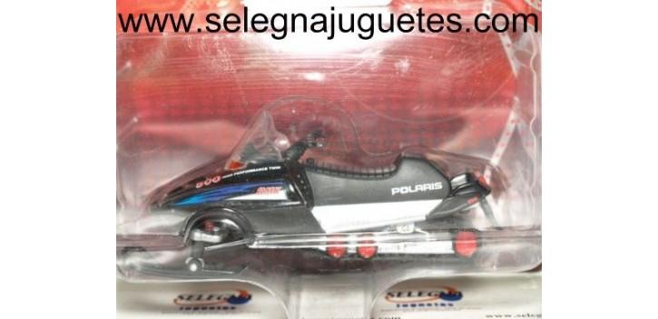 Polaris RMK 500 1/24 Moto de Nieve