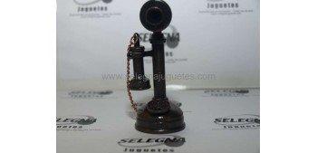 Teléfono - sacapuntas - Altura: 10 cms Material: Acabado en cobre.