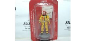 Bombero con equipo de rescate Tokio Japón 2003 Figura Plomo 1/30
