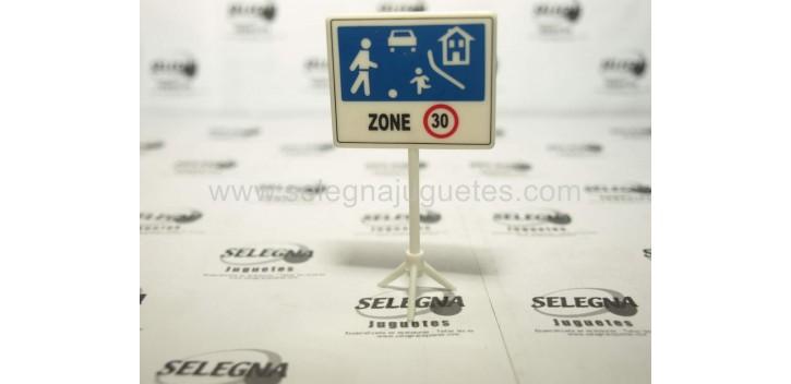 Zona residencial señal trafico escala 1/43 cararama coche metal miniatura