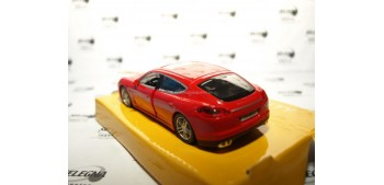 Porsche Panamera Turbo rojo escala 1/32 RmZ coche metal miniatura