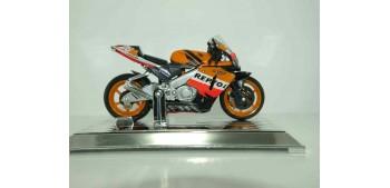 miniature motorcycle HONDA RCV211 2006 PEDROSA 26 - 1/18 SAICO