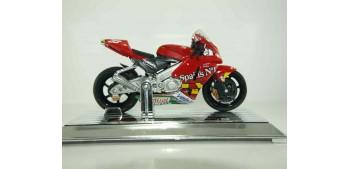 Honda RC 212 V 2006 Melandri escala 1/18 Saico moto miniatura metal