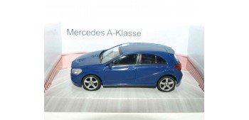 Mercedes Clase A azul escala 1/43 Mondo Motors Coche metal miniatura