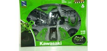 Kawasaki ZX 10 R 2006 escala 1/12 New Ray kit moto metal