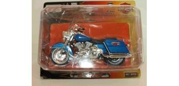moto miniatura Harley Davidson 1997 FLHR Road King escala 1/18