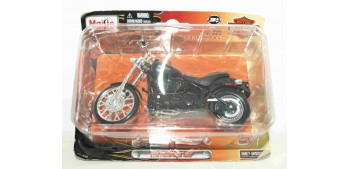 moto miniatura Harley Davidson 2008 FXSTB Night Train escala