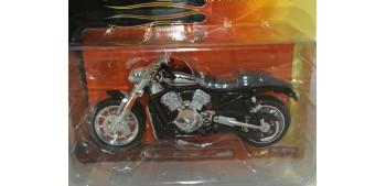 moto miniatura Harley Davidson 2006 VRSCR Street Rod escala