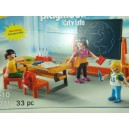 "<p>MARCA: <strong>Playmobil</strong></p><p>MODELO: <strong>Maletín Colegio</strong></p><p><strong style=""font-style:normal;font-family:Raleway, sans-serif;font-size:14px;""><a class=""btn btn-default"" href=""https://www.selegnajuguetes.es/es/otros-articulos/playmobil/"" style=""color:#000000;"">SI QUIERE VER MÁS MODELOS PLAYMOBIL</a></strong></p>"