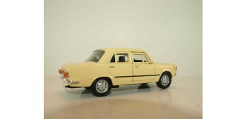 coche miniatura Fiat 125p 1967 escala 1/34 a 1/39 Welly Coche