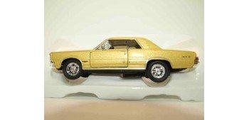 Pontiac GTO 1965 escala 1/34 a 1/39 Welly Coche metal miniatura