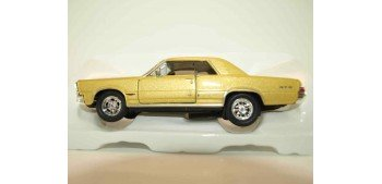 Pontiac GTO 1965 escala 1/34 a 1/39 Welly Coche metal miniatura