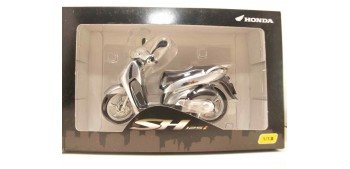 Honda SH125i gris scale 1:12 miniature motorcycle