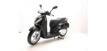 moto miniatura Honda SH125i negro escala 1/12 moto metal