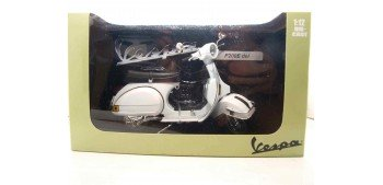 miniature motorcycle Vespa P200E blanca escala 1/12 moto metal