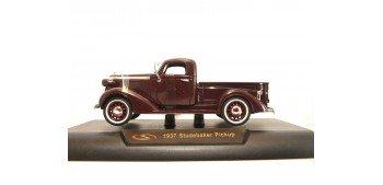 Studebaker Pickup 1937 burgundy 1/32 Signature Models coche metal miniatura
