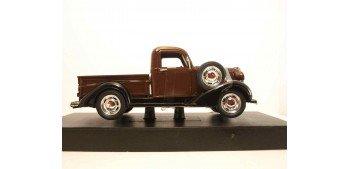 Plymouth Pickup 1937 marron escala 1/32 New Ray coche metal miniatura