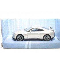 <p><strong>Nissan GT-R 2011</strong></p> <p><strong>Mondo Motors</strong></p> <p><strong>1/43 - 1:43</strong></p>