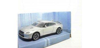 Nissan GT-R 2011 gris escala 1/43 Mondo Motors Coche metal miniatura