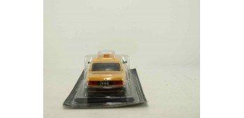 GAZ 3110 WOLGA Taxi escala 1/43 coche metal miniatura