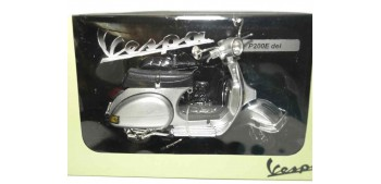 moto miniatura Vespa P200E gris escala 1/12 moto metal miniatura
