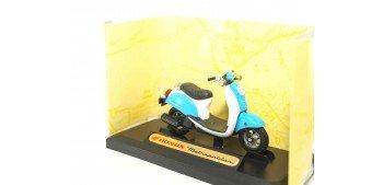 miniature motorcycle Honda Metropolitan 1/18 Motor Max