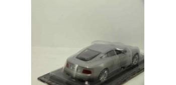 coche miniatura Aston Martin V12 Vanquish escala 1/43 Coche