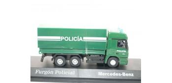 lead figure Camión Furgón Policial Mercedes Benz escala 1/72