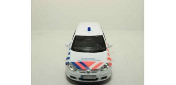 coche miniatura Volkswagen Golf V Holanda auto policia escala