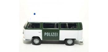 Volkswagen Bus T2 72 Alemania auto policia escala 1/36 - 1/38