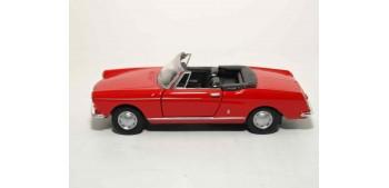 lead figure Peugeot 404 Cabriolet escala 1/36 - 1/38