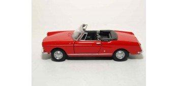 Peugeot 404 Cabriolet escala 1/36 - 1/38