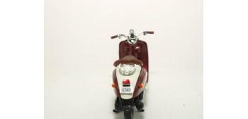 moto miniatura Yamaha VINO YJ50R escala 1/18 Welly moto