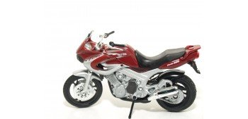 Yamaha TDM 850 2001 escala 1/18 Welly moto Welly