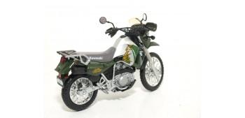 Kawasaki KLR 650 escala 1/18 Welly moto