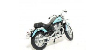 Honda Shadow VT1100C escala 1/18 Welly moto