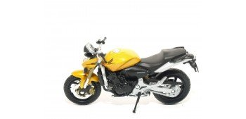 Honda Hornet escala 1/18 Welly moto