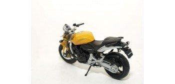 Honda Hornet escala 1/18 Welly moto
