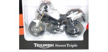 Triumph Street Triple escala 1/18 Welly