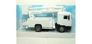 Man F2000 Grua servicio camión escala 1/43 New Ray