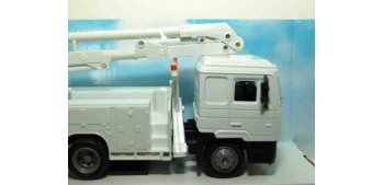 Man F2000 Grua servicio camión escala 1/43 New Ray