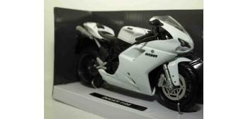 moto miniatura Ducati 1198 blanca escala 1/12 New ray moto en