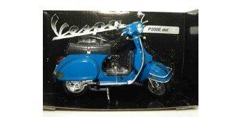 Vespa P200E azul claro escala 1/12 moto metal miniatura