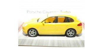 Porsche Cayenne Turbo amarillo escala 1/43 Mondo Motors