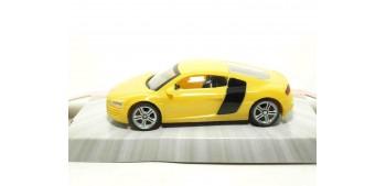 coche miniatura Audi R8 amarillo escala 1/43 Mondo Motors