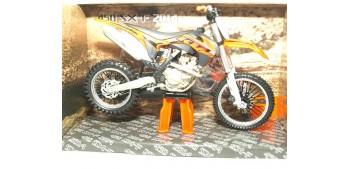 moto miniatura KTM 450 SX-F 2014 escala 1/12 Joycity moto