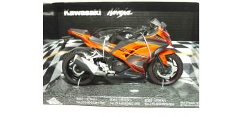 miniature motorcycle Kawasaki Ninja scala 1/12 Joycity moto
