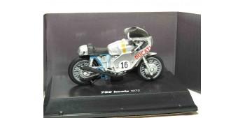 Ducati 750 Imola 1972 escala 1/32 NEW RAY moto miniatura