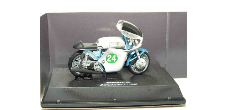 Ducati 250 Bicilindrico 1960 escala 1/32 NEW RAY moto miniatura New Ray