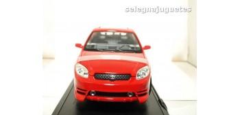 Toyota Matrix 2003 rojo escala 1/18 Yat Ming